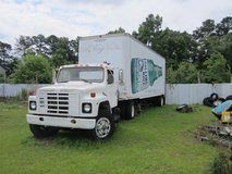 1989 4600 International with a DT466 Diesel with 35' Trailer with 5000 lb lift gate. in Camp Lejeune, North Carolina
